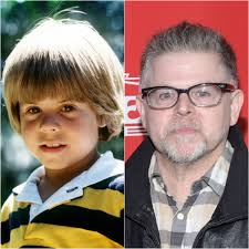 HAPPY 51st BIRTHDAY to ADAM RICH!! 10/12/19 American actor noted for his  role as Nicholas Bradford, the younges… | American actors, Child actors,  Family tv