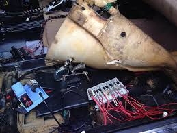 740i wont start the fuse block under the passenger seat footwell it was totally destroyed on my car prior to my purchasing it if your sunroof is leaking