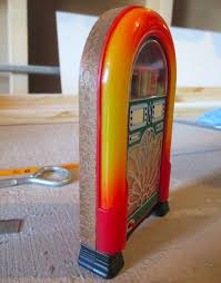 a real jukebox would be about twice as deep but since it s obscured by the door i think i can get away with it