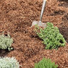 strulch organic garden mulch