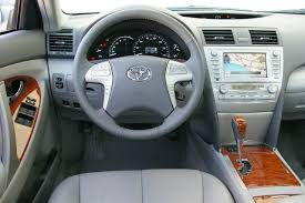 2010 Toyota Camry Hybrid Photos, Informations, Articles ...