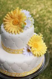 The 25 Best Daisy Wedding Cakes Ideas On Pinterest Daisy