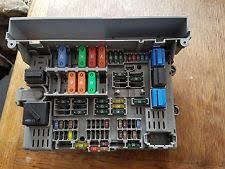 bmw fuses fuse boxes bmw 1 series e87 118d 120d in car fuse box board 6906607 pre lci