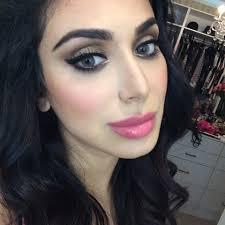 my name is huda kattan and professionally i am a hollywood trained makeup artist and beauty middot makeup artist dubai