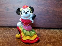 mini mouse dancing disney glass figurine 3 in used no s disney copyright