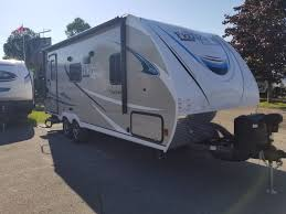 2019 coachmen freedom express 204