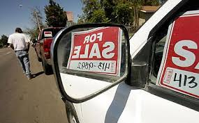 For Sale Sign On Car Moval Looks To Crack Down On De Facto Car Lots Press Enterprise