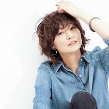 富岡佳子ブレンダも登場 大人のための2019年春ヘアスタイル