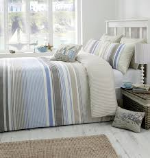 falmouth super king duvet cover set in blue includes 1x super king duvet cover and 2x pillowcases co uk kitchen home