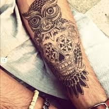 Uložte A Uložte Tetování V Různých Jazycích Světa Tetování Na Celé
