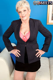 60 Plus MILFs She s The Boss Lin Boyde 36 Photos