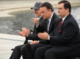 reflection of directing styles in saving private ryan and the actor tom hanks center points to 250 veterans at the world war ii memorial