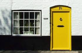 yellow brick house red door. best yellow brick house red door with h