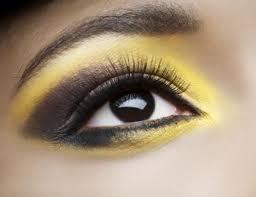 queen bee eyes