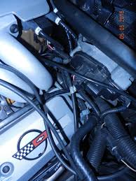 dressing sparkplug wires corvetteforum chevrolet corvette here s some pics of original 1990 l98 engines some detail of factory routing