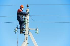 electrical power line installers and repairers t r a c 7 old electrical power technician