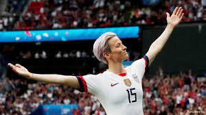 """أولمبياد طوكيو"""".. بطلات كرة القدم الأميركيات يتطلعن إلى إنجاز تاريخي"""