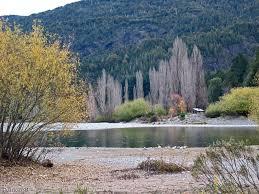 Resultado de imagen para costa del rio azul en de lago puelo