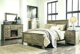 Distressed Wood Bedroom Set En