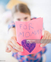 Usa New Jersey Jersey City Girl Showing Greeting Card For Mothers Day  High-Res Stock Photo - Getty Images