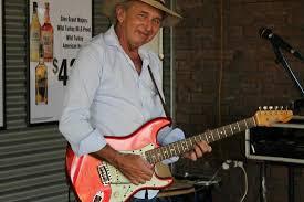 Bernie Flynn -- Guitarist, Singer - Picture of Corroboree Park ...