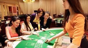 Pontoon | Resorts World Manila