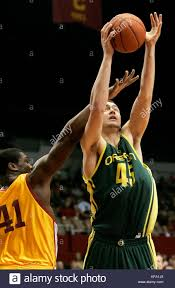 Oregon's Ray Schafer, right, grabs an offensive rebound over the ...
