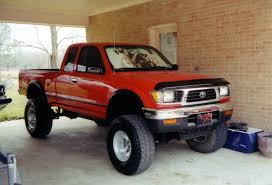 TOYOTA TACOMA - Review and photos