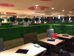 Alice in Wonderland: themed restaurant in Shinjuku