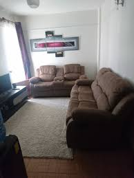 how to decorate around the recliner sofa