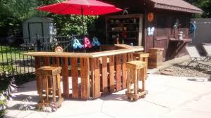 Diy outdoor bar Mobile How To Build An Outdoor Bar Out Of Pallets The House Of Wood 10 Amazing And Budgetfriendly Outdoor Entertaining Ideas
