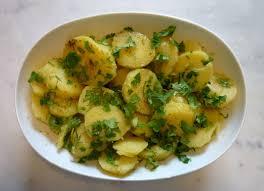 طبخة أونلاين طريقة عمل سلطة البطاطس بالبقدونس