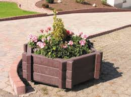 recycled plastic planter / modular / contemporary