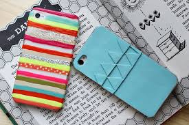 Custom iPhone Cases   31 Easy DIY Crafts https://diyprojects.com/