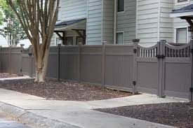 Vinyl privacy fences Lattice Atlantaarea Condominium Development Gets facelift From New Vinyl Privacy Fences Certainteed Atlantaarea Condominium Development Gets facelift From New Vinyl