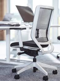 YAASA Yaasa Chair White Yaasa Life Adjusted