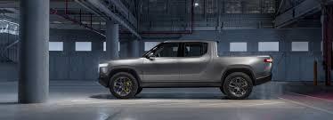 rivian debuts high performance, 400 mile, electric pickup truck