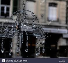 Teelichter Kronleuchter Hängt Vorne Am Marktplatz Auf Einer