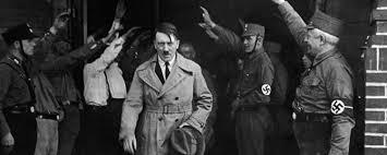 ความรัก ๔ ด้าน ของผู้นำนามว่า ฮิตเลอร์ ( Adolf Hitler )