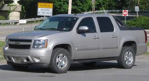 File:2nd Chevrolet Avalanche -- 04-30-2010.jpg - Wikimedia Commons