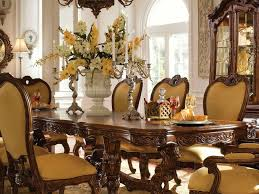 Elegant dining table decor High End Dining Table Decorations Centerpieces View In Gallery Clear Glass With Elegant Dining Table Centerpieces Solutionkeysco Dining Room Table Centerpiece 25 Elegant Dining Table Centerpiece