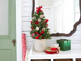 cheap christmas decor:  easy homemade christmas ornaments holiday decorations  diy tree trimming ideas photos cheap home