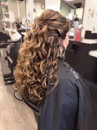 Lang Haar Krullen Feestkapsel Hairstyles In 2019 Lang Haar