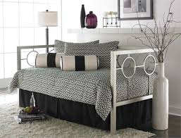modern daybed