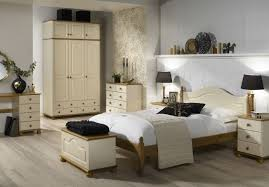Richmond Cream and Pine Bedroom Furniture