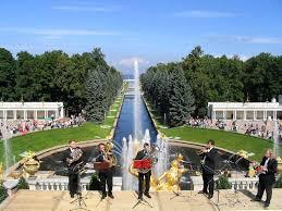 Картинки по запросу торжественное открытие фонтанов в петергофе