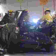 Resultado de imagem para fotos carro do acidente do ex-jogador da NBA Rasual Butler