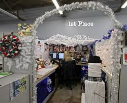Christmas office decorating Gingerbread christmas office decoration ideas Christmas Cubicle Decorating Ideas 15 Detectview 60 Gorgeous Office Christmas Decorating Ideas u003e Detectview