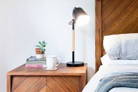 how to pick a bedside lamp