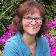 Interview! Dr. Linda Harper, Clinical Psychologist, Compassionate Heart  Specialist and Author - The Community Cats Podcast